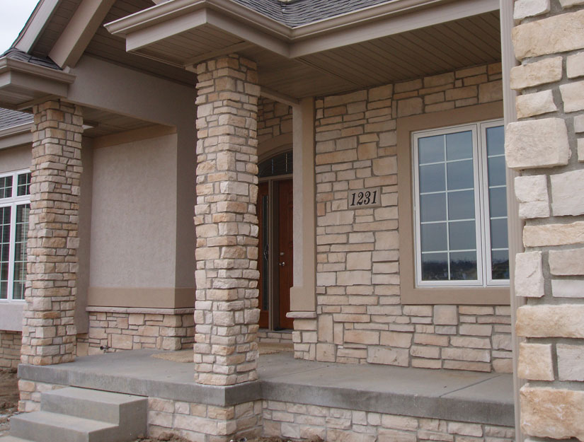 Cultured stone veneer benefits over real stone for walls - Houses natural stone facades ...